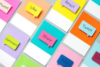 post it notes with social media